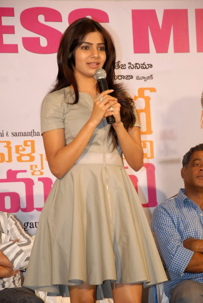 Actress-Samantha-Cute-and-Glamorous-in-Mini-Gown-1