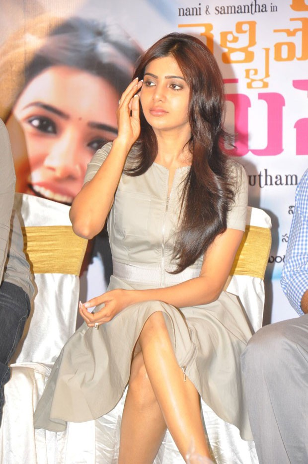 Actress-Samantha-Cute-and-Glamorous-in-Mini-Gown-2