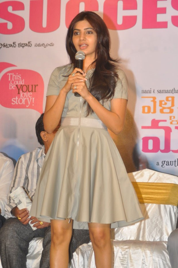 Actress-Samantha-Cute-and-Glamorous-in-Mini-Gown-4