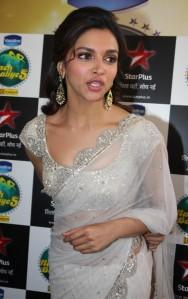 Deepika-Padukone-Spicy-Transparent-Saree-Photos-4