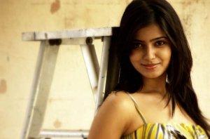samantha-in-yellow-old-photoshoot-no-watermark-13