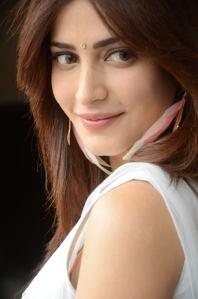 Shruti-Hassan-Hot-Photo-Shoot-2