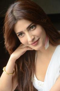 Shruti-Hassan-Hot-Photo-Shoot-5